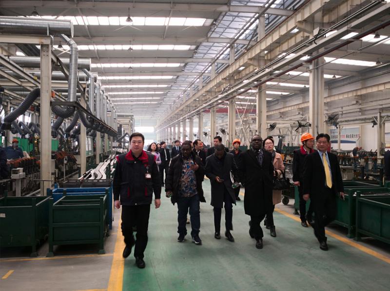 Leaders come to visit the factory